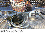 Купить «Фара современного автомобиля крупным планом», фото № 5827795, снято 17 мая 2011 г. (c) Михаил Коханчиков / Фотобанк Лори