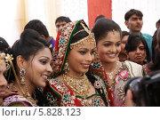 Невеста с подружками (2012 год). Редакционное фото, фотограф Вячеслав Строганов / Фотобанк Лори