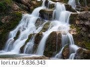 Купить «Аюкский водопад», эксклюзивное фото № 5836343, снято 19 апреля 2014 г. (c) Алексей Букреев / Фотобанк Лори