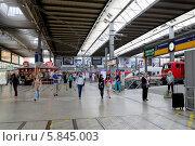 Купить «Железнодорожный вокзал Мюнхена (München Hauptbahnhof)», эксклюзивное фото № 5845003, снято 30 июля 2013 г. (c) Илюхина Наталья / Фотобанк Лори