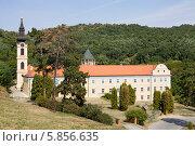 Купить «Православный монастырь Ново-Хопово в Сербии», фото № 5856635, снято 31 августа 2012 г. (c) Солодовникова Елена / Фотобанк Лори