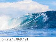 Большие волны океана с пеной, Сумбава, Индонезия. Стоковое фото, фотограф Константин Трубавин / Фотобанк Лори