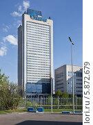 """Купить «Высотное здание концерна """"Газпром"""" на улице Намёткина в Москве», фото № 5872679, снято 1 мая 2014 г. (c) Victoria Demidova / Фотобанк Лори"""