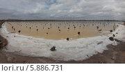 Панорама старой соляной делянки на озере Баскунчак (2014 год). Редакционное фото, фотограф Александр Степанов / Фотобанк Лори