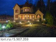 Купить «Загородный дом (дача) весенним вечером», фото № 5907359, снято 29 марта 2014 г. (c) Pukhov K / Фотобанк Лори