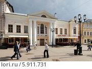 Купить «Нижний Новгород, Большая Покровская улица весной», эксклюзивное фото № 5911731, снято 2 мая 2014 г. (c) Дмитрий Неумоин / Фотобанк Лори