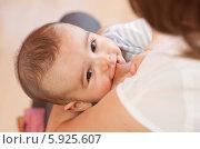 Купить «Грудное молоко - лучшая пища для младенца», фото № 5925607, снято 20 ноября 2019 г. (c) BE&W Photo / Фотобанк Лори