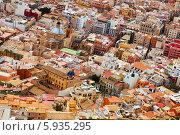 Купить «Вид старого европейского города. Аликанте, Испания», фото № 5935295, снято 14 апреля 2014 г. (c) Яков Филимонов / Фотобанк Лори