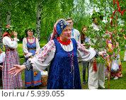 Купить «Праздник Троица В России, фольклор и народные гуляния», фото № 5939055, снято 23 июня 2013 г. (c) ElenArt / Фотобанк Лори