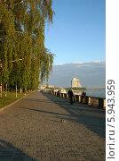 Купить «Рыбаки на набережной Днепра», эксклюзивное фото № 5943959, снято 1 июня 2012 г. (c) Щеголева Ольга / Фотобанк Лори