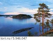 Купить «Ладожские шхеры. Северный закатный пейзаж со скалистыми островами.», фото № 5946047, снято 19 июля 2013 г. (c) Дмитрий Минин / Фотобанк Лори