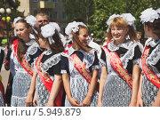 Купить «Выпускной», эксклюзивное фото № 5949879, снято 23 мая 2014 г. (c) Иван Карпов / Фотобанк Лори