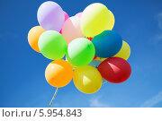 Купить «Разноцветные воздушные шарики на фоне голубого неба», фото № 5954843, снято 4 августа 2013 г. (c) Syda Productions / Фотобанк Лори
