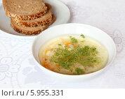 Щи из свежей капусты и тарелка с хлебом. Стоковое фото, фотограф Екатерина Караваева / Фотобанк Лори