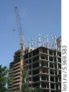 Недостроенный многоэтажный дом. Стоковое фото, фотограф Галина Карпова / Фотобанк Лори