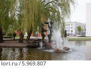 Купить «Фонтан , Минск, Беларусь», эксклюзивное фото № 5969807, снято 3 мая 2014 г. (c) Литвяк Игорь / Фотобанк Лори
