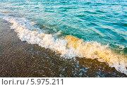 Купить «Морские волны на пляже», фото № 5975211, снято 7 августа 2013 г. (c) g.bruev / Фотобанк Лори