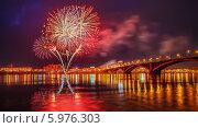 Фейерверк 9 мая 2014. Редакционное фото, фотограф Евгений Воробьев / Фотобанк Лори