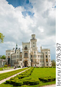 Купить «Замок Глубока-над-Влтавой, весна. Чехия», фото № 5976367, снято 27 апреля 2014 г. (c) E. O. / Фотобанк Лори