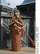 Купить «Железная Баба-яга», эксклюзивное фото № 5995707, снято 1 июня 2014 г. (c) Алексей Гусев / Фотобанк Лори