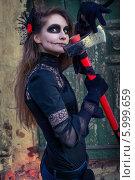 Купить «Девушка в костюме для Хеллоуина», фото № 5999659, снято 30 октября 2013 г. (c) Наталья Степченкова / Фотобанк Лори