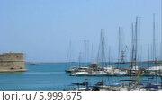 Купить «Панорама порта Ираклион», видеоролик № 5999675, снято 30 июня 2013 г. (c) Валентин Лещименко / Фотобанк Лори