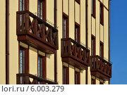 Купить «Деревянные французские балконы», фото № 6003279, снято 21 января 2014 г. (c) Сергей Трофименко / Фотобанк Лори
