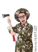Смешной солдат в очках с топором. Стоковое фото, фотограф Elnur / Фотобанк Лори