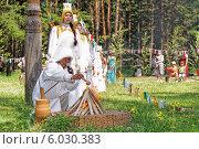 Купить «Ысыах. Обряд кормления огня. Мёд», фото № 6030383, снято 21 июня 2014 г. (c) Роман Фомин / Фотобанк Лори