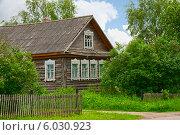 Деревенский дом (2014 год). Стоковое фото, фотограф Юлия Бабкина / Фотобанк Лори