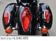 Красные задние фонари на мотоцикле на байкерском слете к открытию сезона в Самаре. Стоковое фото, фотограф Дмитрий Бурлаков / Фотобанк Лори