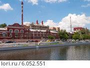 Красная набережная. Электростанция на берегу реки Кутум. Астрахань. Стоковое фото, фотограф Олег Новожилов / Фотобанк Лори
