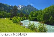Купить «Красивая долина Aksaut в горах Кавказа», фото № 6054427, снято 25 июня 2014 г. (c) александр жарников / Фотобанк Лори