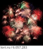 Купить «Праздничный салют», фото № 6057283, снято 9 мая 2014 г. (c) Литвяк Игорь / Фотобанк Лори