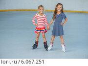 Купить «Little girl ice skating», фото № 6067251, снято 7 августа 2013 г. (c) BestPhotoStudio / Фотобанк Лори