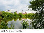 Купить «Кремль в Измайлово и Серебряно-Виноградный пруд в летний день перед грозой. Москва», фото № 6077107, снято 13 июня 2014 г. (c) Екатерина Овсянникова / Фотобанк Лори