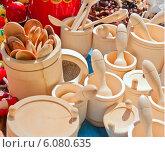 Деревянные ложки, чашки, ступки и пестики. Стоковое фото, фотограф Александр Власик / Фотобанк Лори