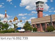 Купить «Забайкальский край. Здание железнодорожного вокзала и Казанского собора в Чите», эксклюзивное фото № 6092739, снято 12 июня 2013 г. (c) Lora / Фотобанк Лори