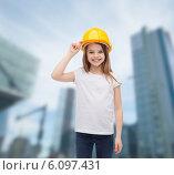 Купить «smiling little girl in protective helmet», фото № 6097431, снято 9 апреля 2014 г. (c) Syda Productions / Фотобанк Лори
