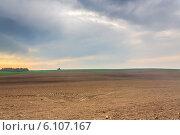 Распаханных поле весной. Стоковое фото, фотограф Александр Власик / Фотобанк Лори