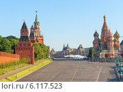 Солнечное летнее утро на Красной площади в Москве (2014 год). Стоковое фото, фотограф Константин Лабунский / Фотобанк Лори