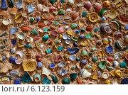 Купить «Стена из разбитых марокканских керамических горшков в гончарной мастерской в Марокко», фото № 6123159, снято 9 марта 2014 г. (c) Наталия Евмененко / Фотобанк Лори