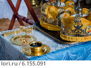 Венчание в церкви. Стоковое фото, фотограф Юлия Костюшина / Фотобанк Лори