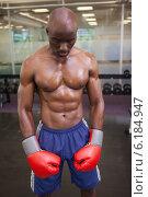 Купить «Muscular boxer in health club», фото № 6184947, снято 28 февраля 2014 г. (c) Wavebreak Media / Фотобанк Лори