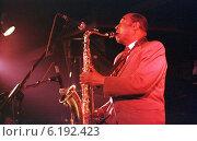 Купить «Concert of jazz saxophonist Archie Shepp in Berlin, Germany», фото № 6192423, снято 20 октября 1997 г. (c) Caro Photoagency / Фотобанк Лори