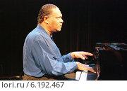 Jazz pianist McCoy Tyner, Berlin, Germany (1997 год). Редакционное фото, агентство Caro Photoagency / Фотобанк Лори