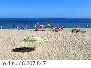 Купить «Пляж в Куликове, Калининградская область», фото № 6207847, снято 19 июля 2014 г. (c) Михаил Рудницкий / Фотобанк Лори