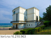Здание диорамы «Штурм Сапун-горы 7 мая 1944 года» в Севастополе. Крым (2014 год). Редакционное фото, фотограф Ирина Балина / Фотобанк Лори