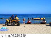 Купить «Активный отдых на пляже в Куликове, Калининградская область», фото № 6220519, снято 19 июля 2014 г. (c) Михаил Рудницкий / Фотобанк Лори