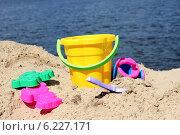 Детские игрушки на пляже. Стоковое фото, фотограф Галина Щурова / Фотобанк Лори